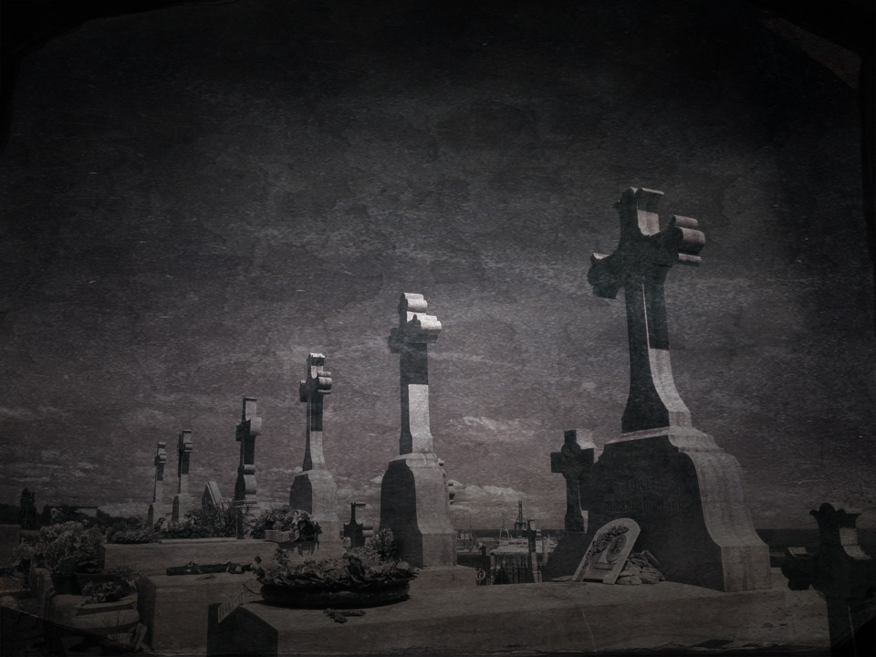 {tumblr}  Davide Capponi ~ Les nécropoles 2