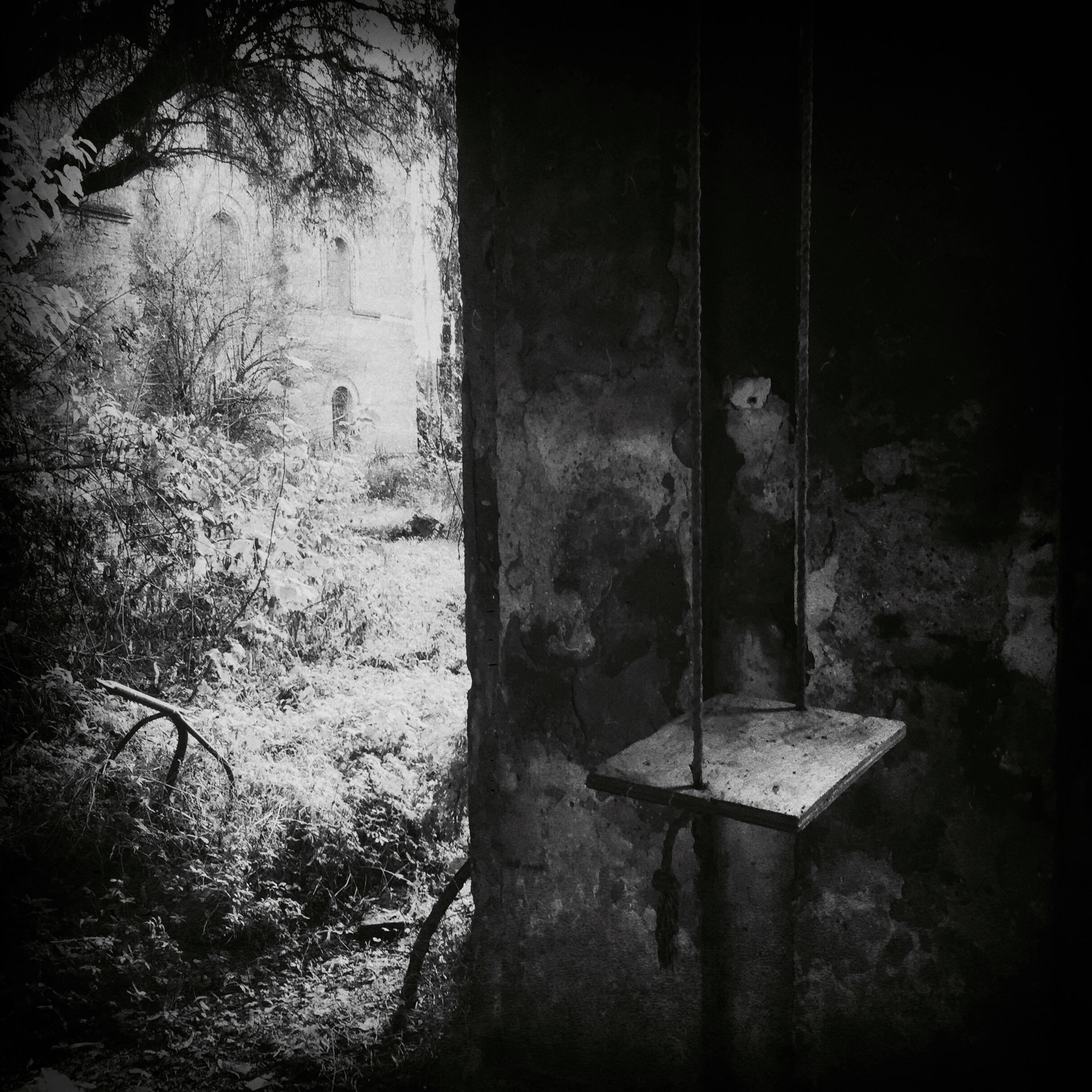Federica Corbelli ~ Swing into never never land